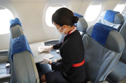 機内の客室消毒