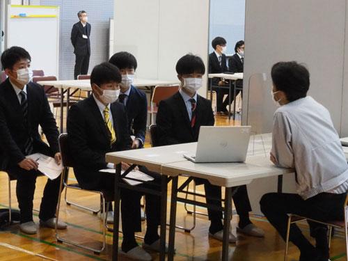 学生面談会の様子